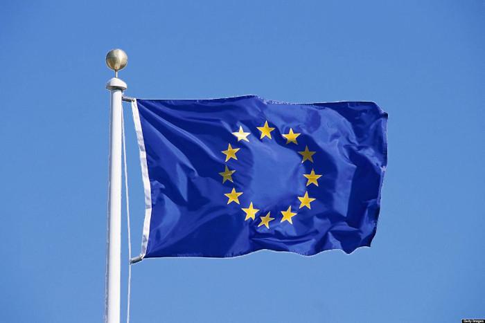 Le passeport vert de l'UE. Julien Manival